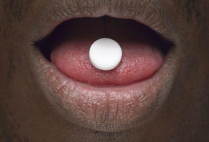 Nhin rang mieng, chan benh hinh anh 2 Thuốc kháng sinh, thuốc thông mũi, thuốc giảm đau, thuốc chống trầm cảm là một trong những loại có thể gây khô miệng.