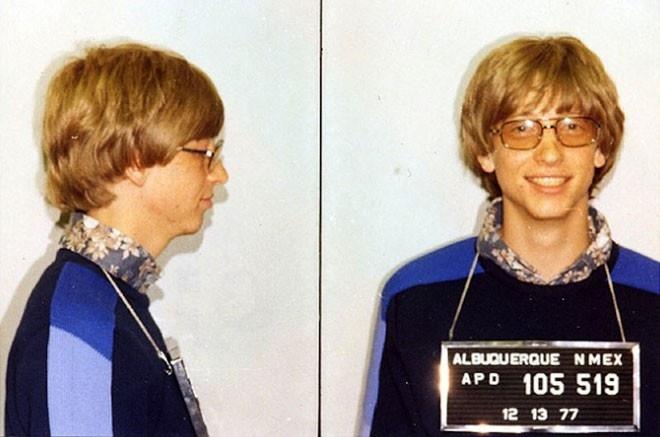 13 su that ve Bill Gates hinh anh 4 Bill Gates từng bị cảnh sát bắt một lần ở bang New Mexico vào năm 1977. Khi đó, ông lái xe mà không có bằng lái và vượt đèn đỏ.