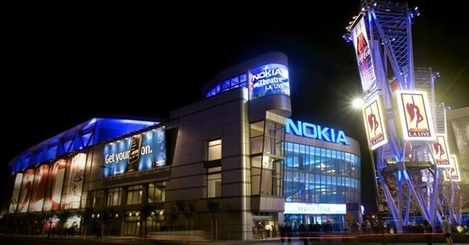 10 cong ty noi tieng the gioi 'bien mat khong de lai vet' hinh anh 1 Nokia từng là công ty thống lĩnh thị trường điện thoại di động toàn cầu nhưng đã phải