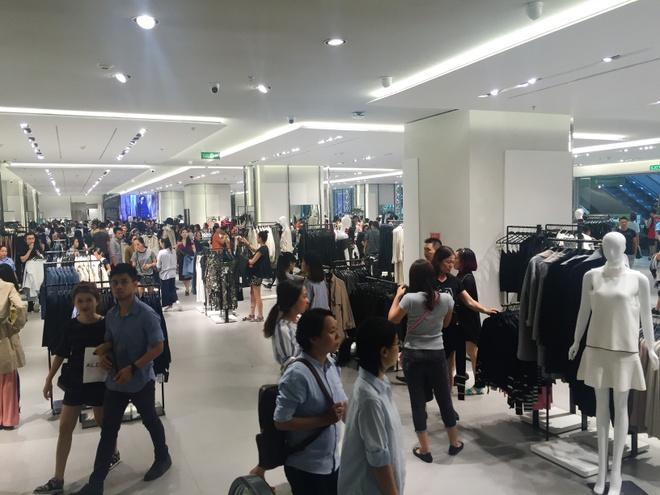 Zara ve Viet Nam, dau moi nhan mua hang online lo mat khach hinh anh