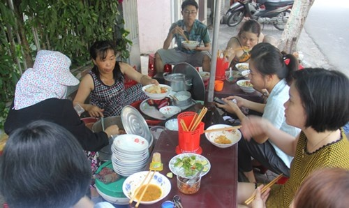 Lang mi Quang 'co chan' hinh anh 2