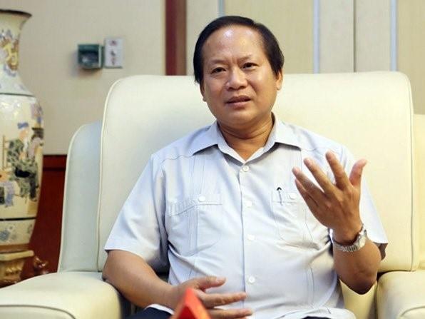 Bo truong Truong Minh Tuan tra loi ve xu ly SIM rac hinh anh