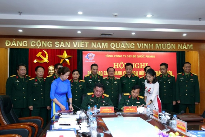 Dai ta Phung Quang Hai thoi chuc o Tong cong ty 319 hinh anh 1