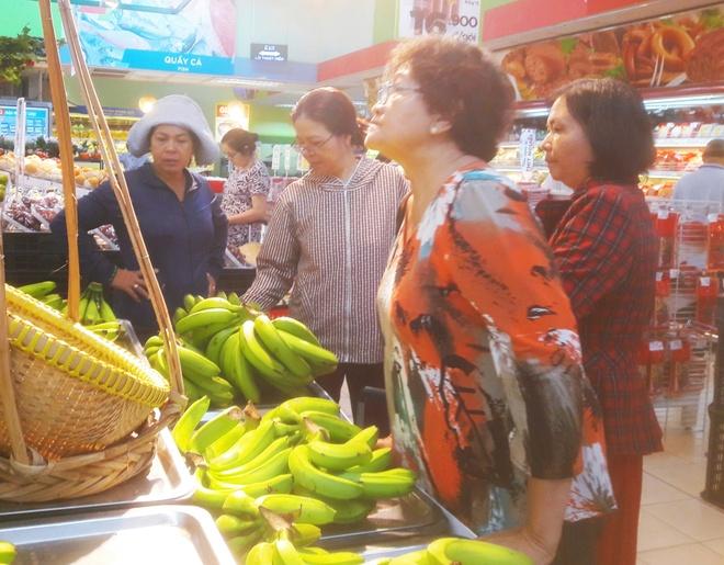 Chen nhau mua chuoi 'giai cuu' gia 5.900 dong mot kg hinh anh 2
