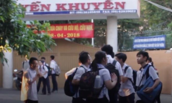 Hoc sinh, phu huynh truong Nguyen Khuyen noi gi ve ap luc hoc tap? hinh anh
