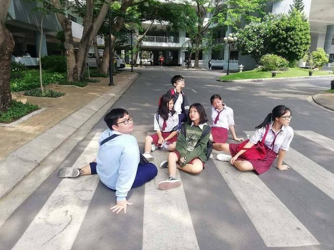 MV 'Bua yeu' phien ban parody cua hoc sinh Sai Gon hinh anh 1