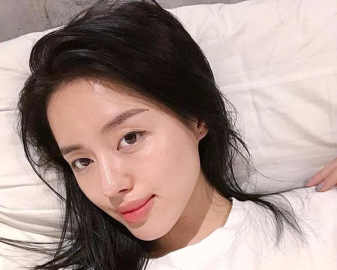 Khanh Linh The Face dap tra the nao khi bi goi 'phu thuy xau xi'? hinh anh