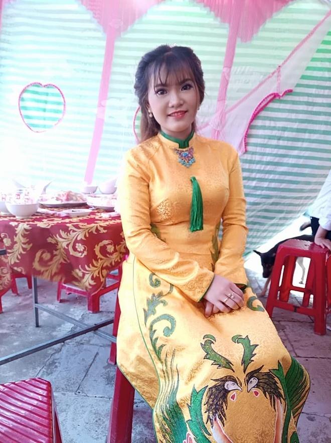 Co dau Quang Ngai khoc o dam hoi bi nham la nguoi yeu cu cua chu re hinh anh 1
