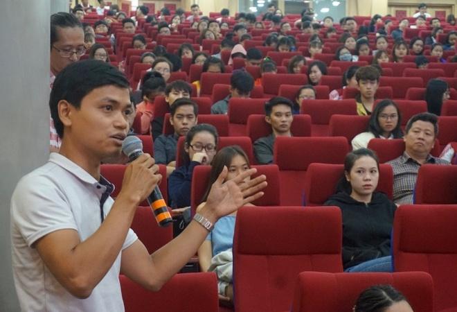 GS Truong Nguyen Thanh: Sinh vien dung chi uoc mo ra truong kiem tien hinh anh 3