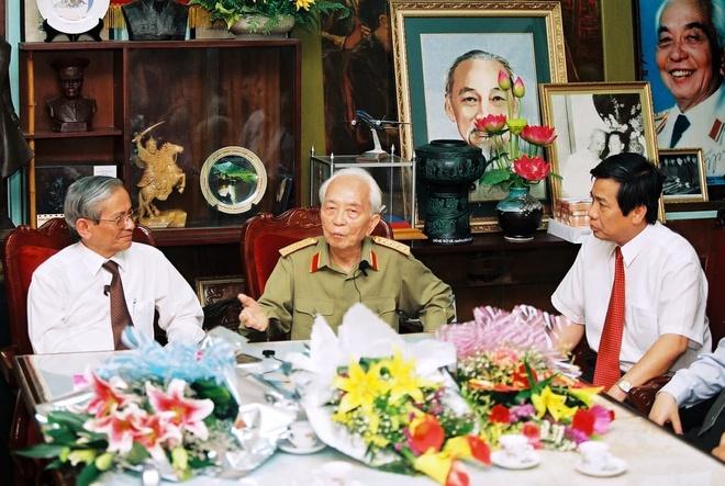 UNESCO bay to tiec thuong sau sac truoc su ra di cua GS Phan Huy Le hinh anh 1