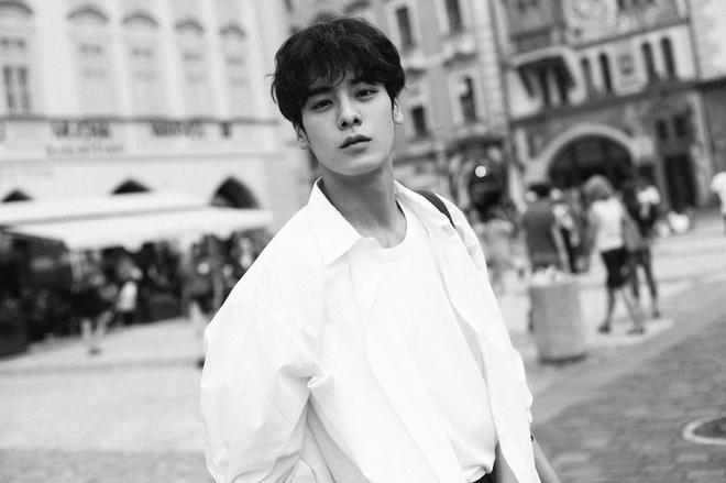 Hot boy Han Quoc cao 1,86 m, dep trai nhu ca si than tuong hinh anh 1