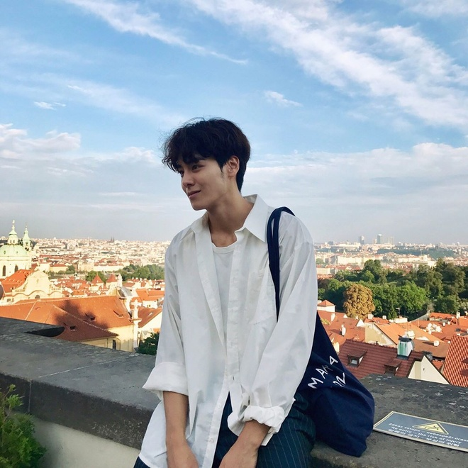 Hot boy Han Quoc cao 1,86 m, dep trai nhu ca si than tuong hinh anh 3