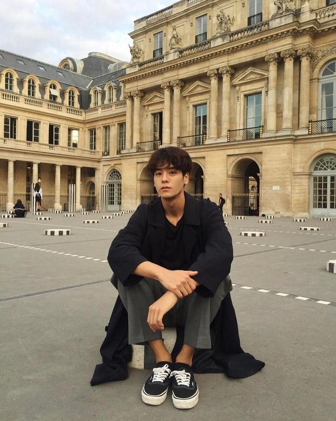 Hot boy Han Quoc cao 1,86 m, dep trai nhu ca si than tuong hinh anh 10