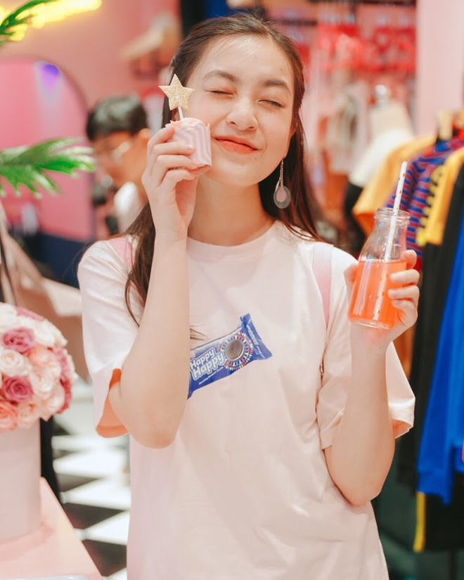 'Hot girl IELTS' Nguyen Lam Thao Tam truong thanh, xinh xan o tuoi 18 hinh anh 6