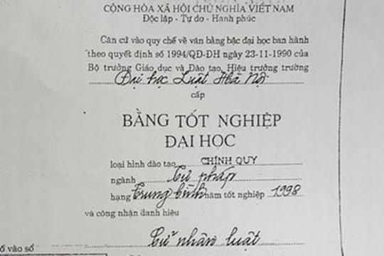 Thu hoi bang DH Luat cua nu tham phan dung bang THPT gia hinh anh