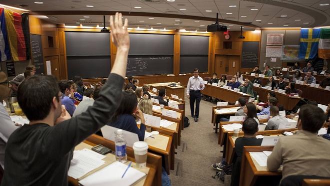'O Harvard, nguoi thay co vi tri thap nhat trong lop hoc' hinh anh