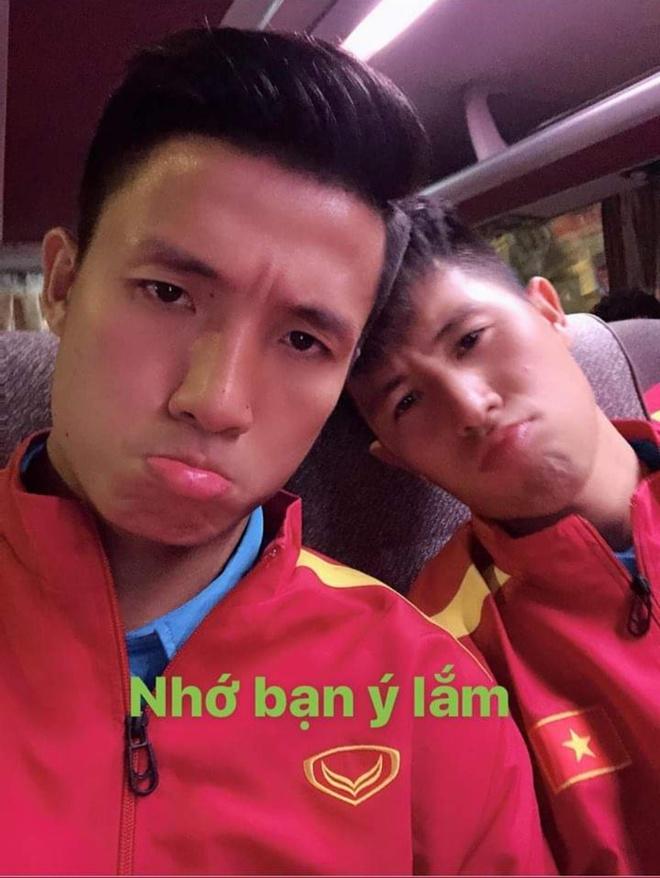 Tuyen thu Viet Nam gui loi tam biet Tran Dinh Trong tren mang hinh anh 2