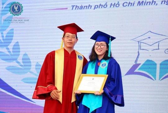 Nhung 'bong hong' thu khoa dai hoc xuat sac nam 2018 hinh anh 2