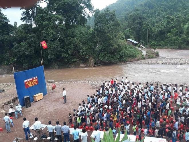 Ngôi trường từng phải khai giảng bên bờ suối bây giờ ra sao?