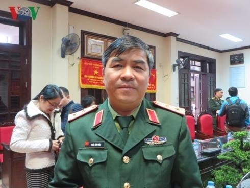 Bo Quoc phong xem xet thong tin thu khoa truong quan su duoc nang diem hinh anh 1