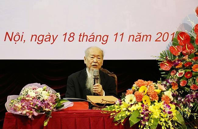 GS Phan Huu Dat mat anh 2