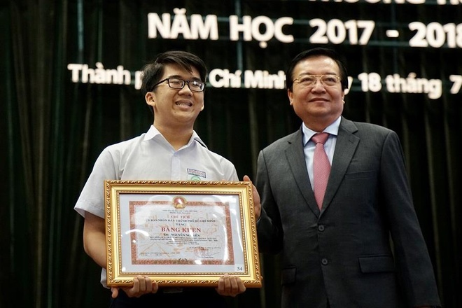 Huy chuong vang Olympic Toan quoc te anh 1