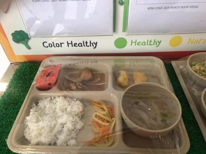 Dân lập Quốc tế Việt Úc bị phụ huynh phát hiện cắt xén khẩu phần ăn học sinh hàng ngày
