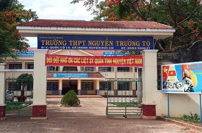 Thay giao quay clip voi nu sinh lop 12 bi ky luat nhu the nao? hinh anh 1 nguyen_truong_to.jpg