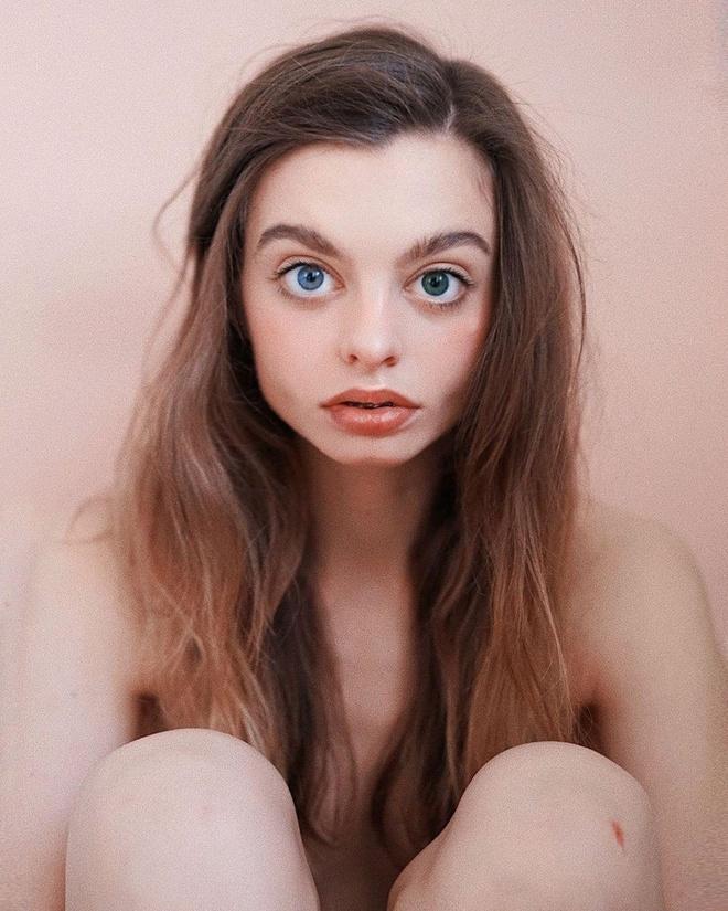 Trang điểm thế nào để có đôi mắt to tròn như hot girl trên mạng?