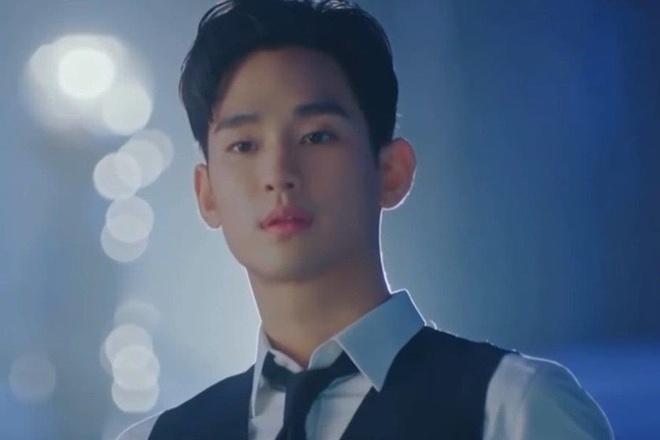Kim Soo Hyun mac suit dien trai anh 1