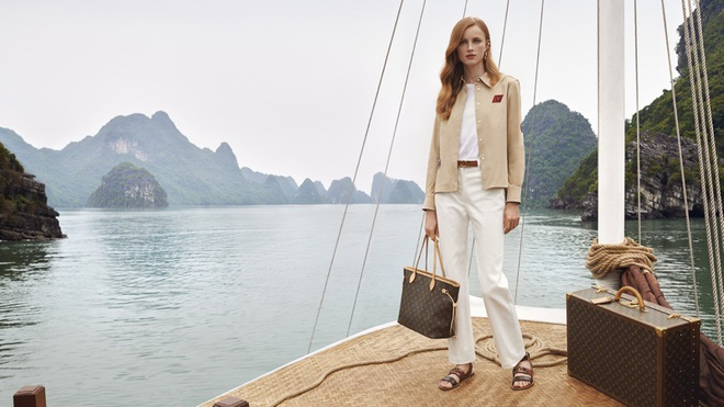 Louis Vuitton quay quang cao o Viet Nam anh 2