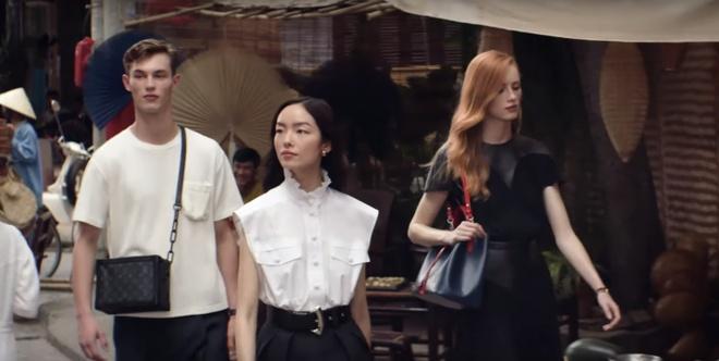 Louis Vuitton quay quang cao o Viet Nam anh 4
