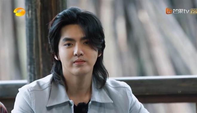 Cung de toc dai: Lee Dong Wook duoc khen dep, Jungkook bi che nu tinh hinh anh 7