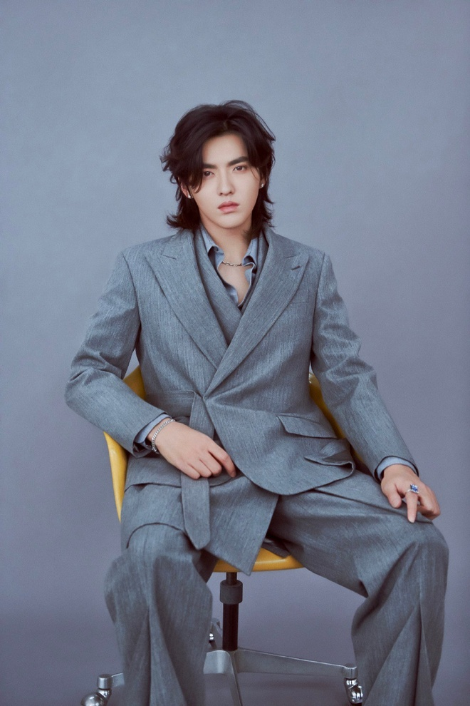 Cung de toc dai: Lee Dong Wook duoc khen dep, Jungkook bi che nu tinh hinh anh 8