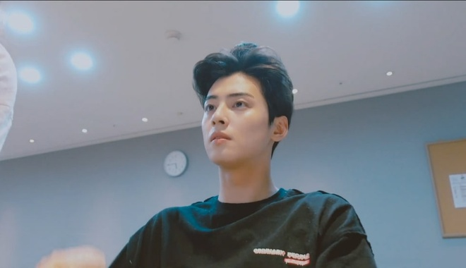 Cha Eun Woo chia se cach cham da het mun anh 1