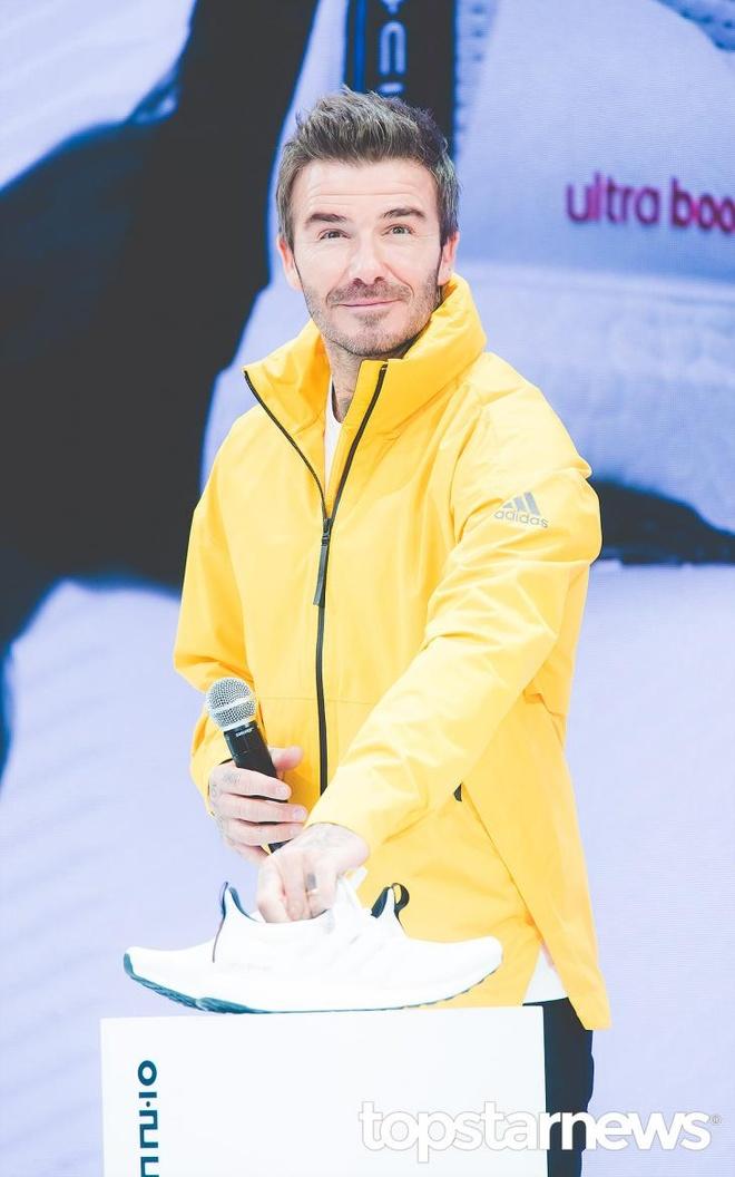 BlackPink dien do the thao xuat hien sau scandal cung David Beckham hinh anh 5