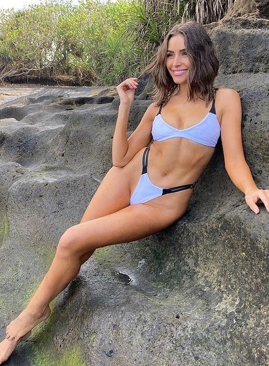 hoa hau my dien bikini xe cao anh 7