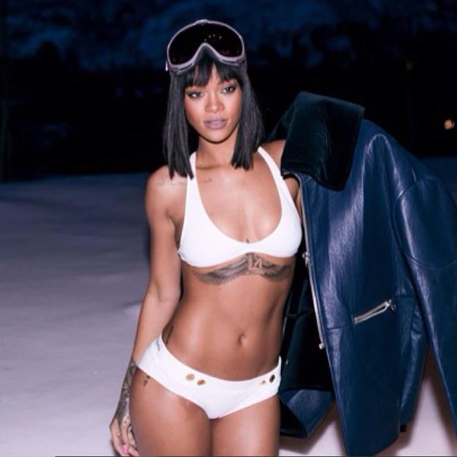 Kendall Jenner dan dau trao luu mac bikini giua troi tuyet hinh anh 4 rihanna_snow_bikini.png