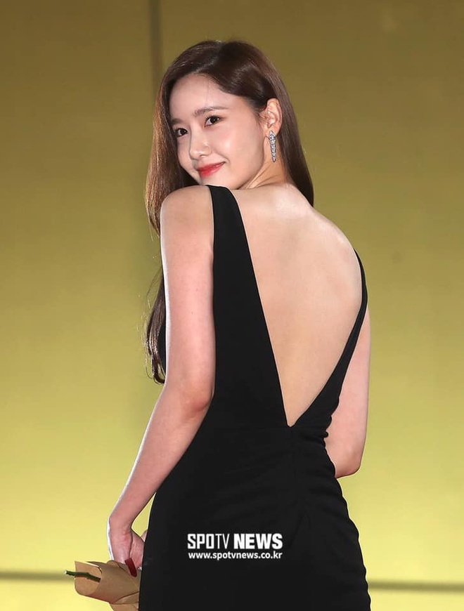 Sao Han dien do ho lung: YoonA dep nhu nu than, Hwasa bi che phan cam hinh anh 5 76743611_2527092794040745_6474899516410560512_n_1.jpg