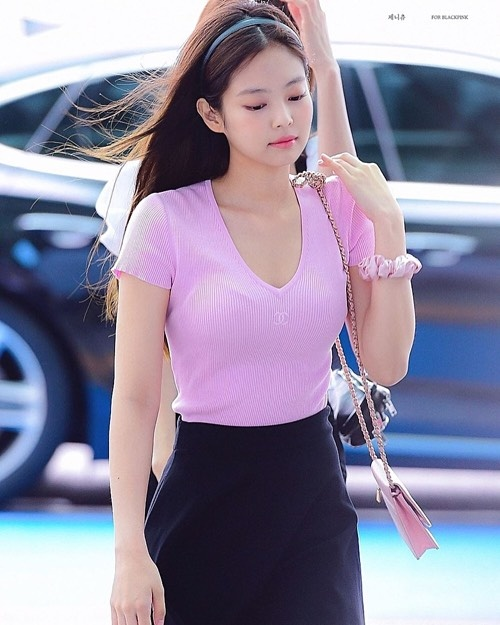 IU, Jennie va dan my nhan Han lang xe mot dung chun vai tu thoi cha me hinh anh 6 39304c9da2c25a9c03d3.jpg