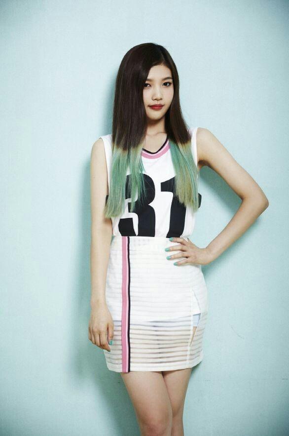 My nhan Red Velvet giam can de hop voi phong cach sexy hinh anh 2 7d6d25860c62e542b583dd0543beb281.jpg