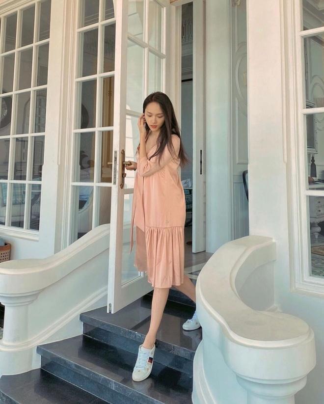 Min dien bikini khoe dang chuan, Minh Hang mac do the thao van sexy hinh anh 6 83682720_170683534216183_4439204239037883889_n.jpg