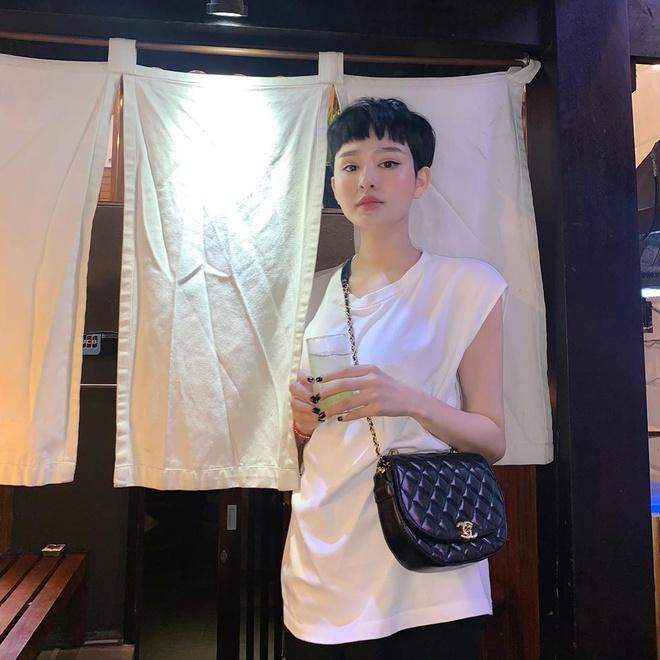 Ha Ho dien mot khong cai khuy, Mai Phuong Thuy mac ao khoe vong mot hinh anh 9 83554427_792759904567259_489238515204466221_n.jpg