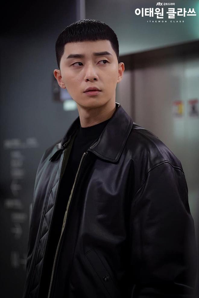 Park Seo Joon dien do ca tinh the nao trong phim 'Itaewon Class' hinh anh 4 86188639_1325790197608526_209796417831567360_o.jpg