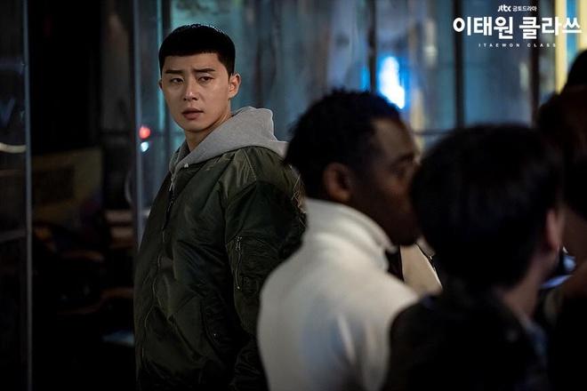 Park Seo Joon dien do ca tinh the nao trong phim 'Itaewon Class' hinh anh 6 89043639_1338209666366579_5505745905619304448_n.jpg
