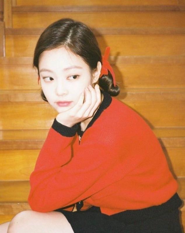 Ngu Thu Han bi phat hien co so thich mac do giong Jennie hinh anh 2 blackpink_jennie_800x795_1.jpg