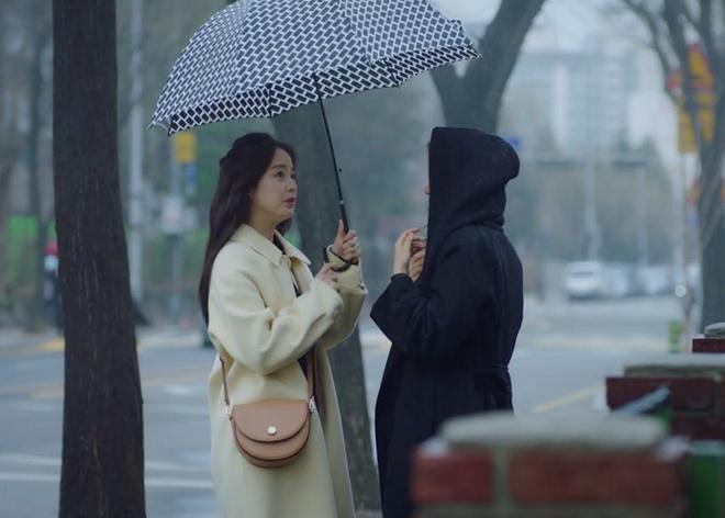 thoi trang cua kim tae hee trong phim anh 2