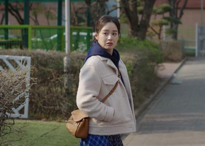 thoi trang cua kim tae hee trong phim anh 3