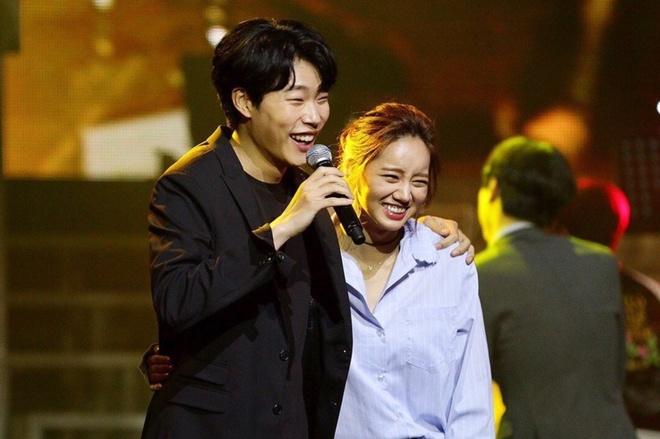 Hyeri va Ryu Jun Yeol mac gi khi hen ho anh 1