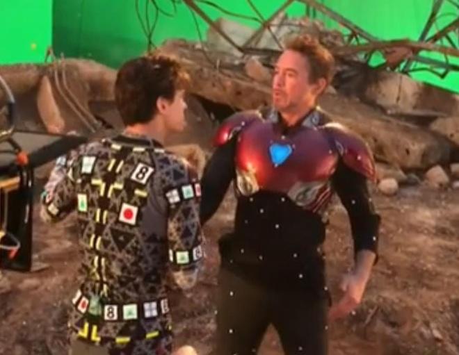 Video hau truong nguoi nhen Peter Parker gap lai Iron Man hinh anh